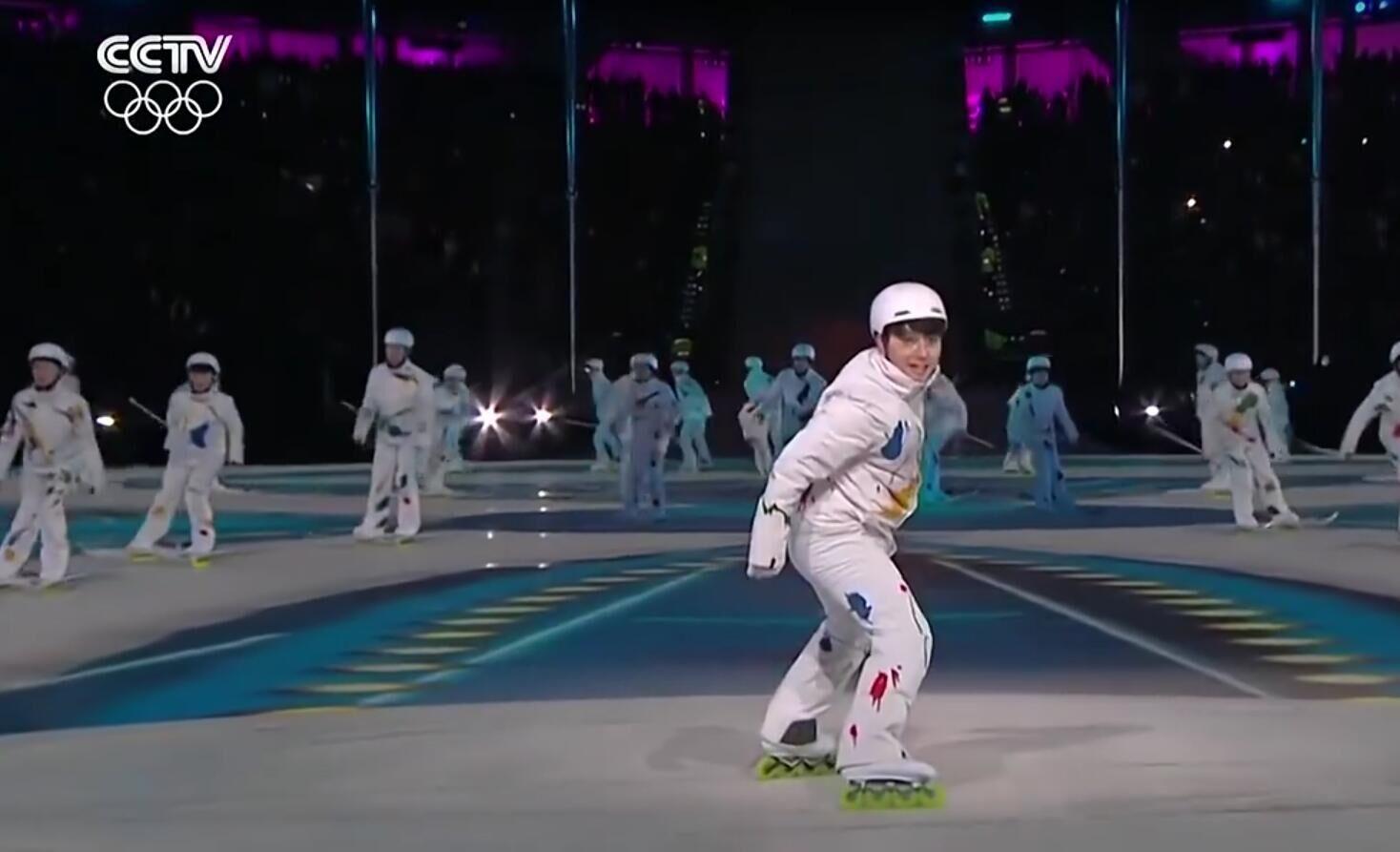 平昌冬奥会闭幕式【轮滑展现五环】